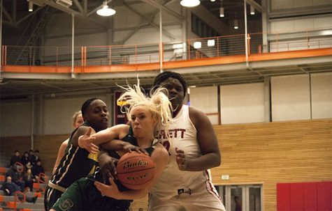 Balderas and Chibuogwu Carry Trojans to Victory