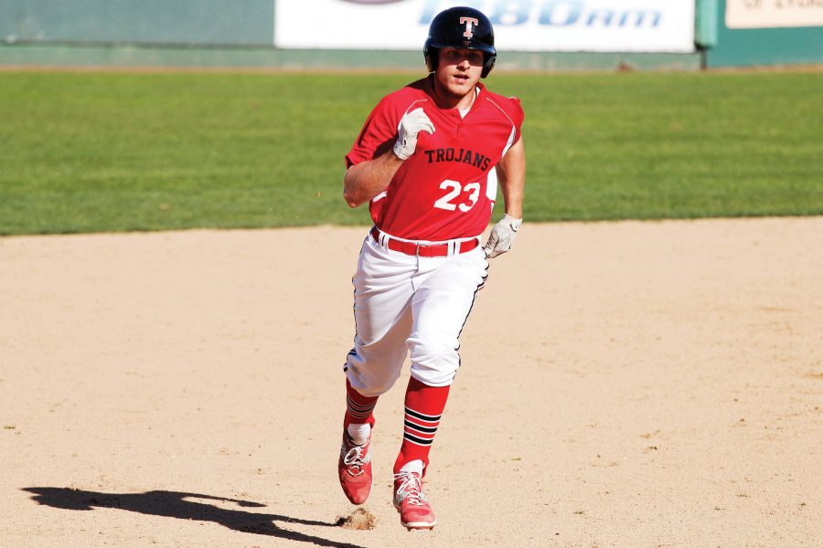 Jake+Nelson+trots+safely+to+third+base+after+a+single+from+a+teammate+against+Douglas+College+at+Everett+Memorial+Stadium.