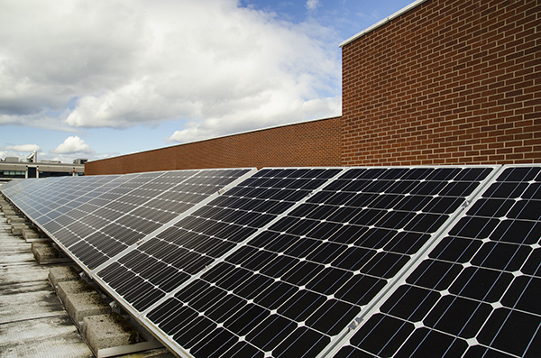 EvCC%27s+solar+panels+on+the+roof+of+Liberty+Hall.+The+80+solar+modules+on+the+roof+create+19.2+kw.