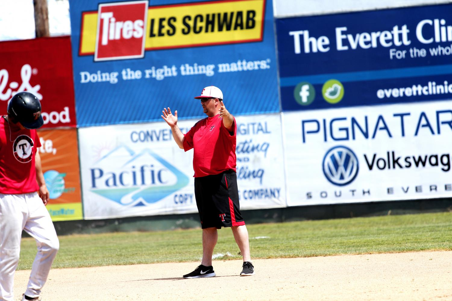 Head Coach Levi Lacey instructs his team during their practice on May 22. Lacey is looking to capture his second NWAC Championship with Everett.