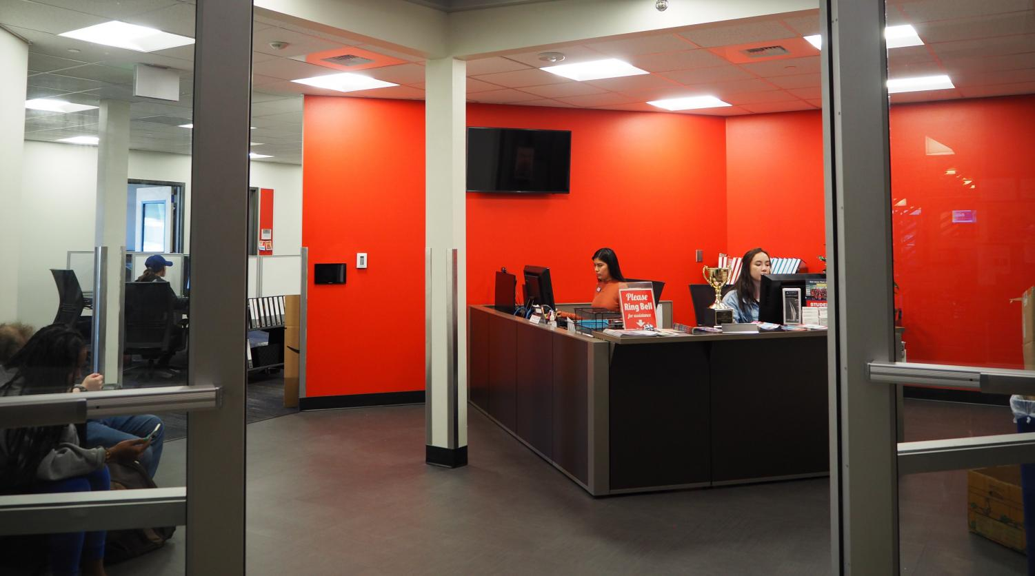 The Student LIFE and Club Hub entrance and front desk after the renovation.