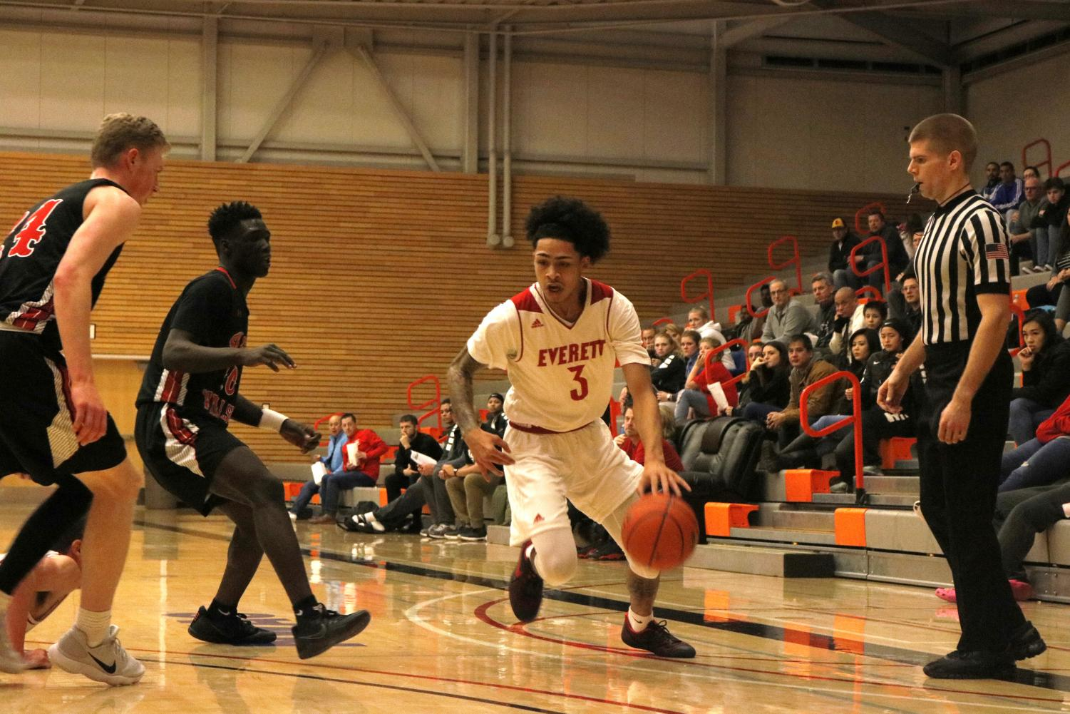 Markieth Brown Jr. drives to the rim in Everett's win over Skagit.