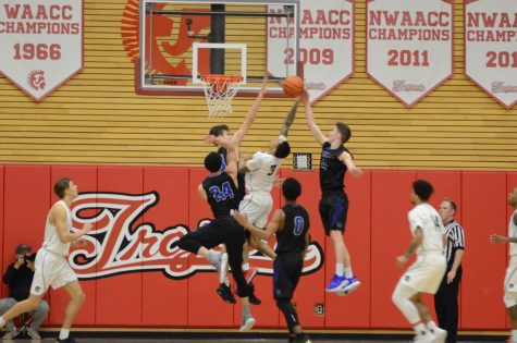 Trojans Fall to Shoreline in Hard-Fought Conference Game