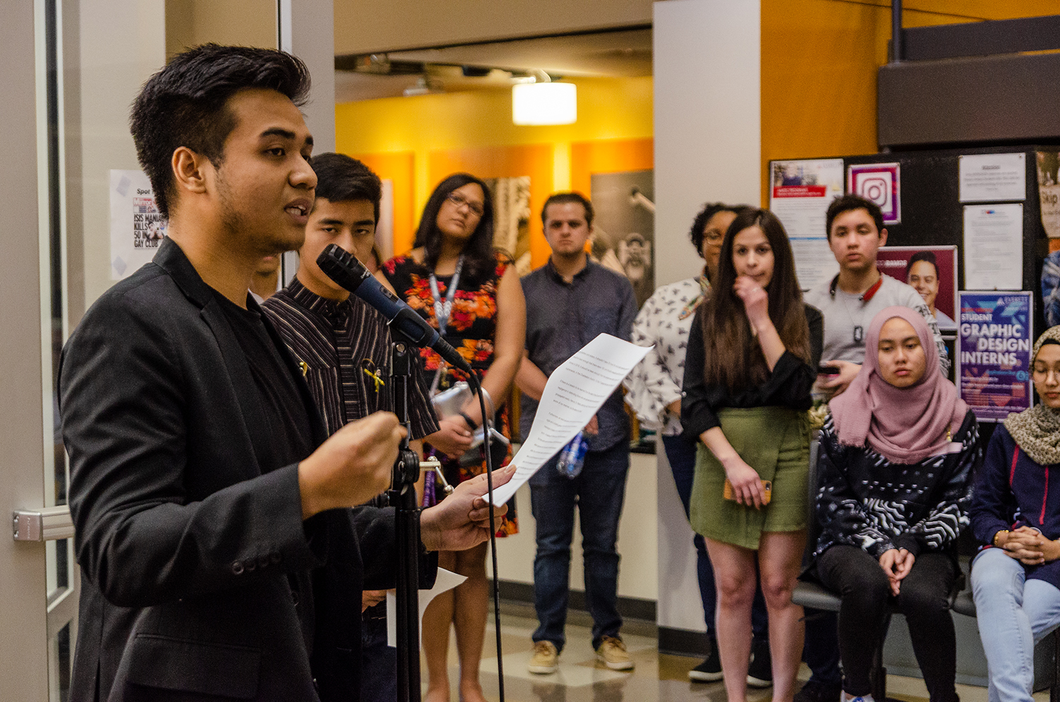 Ahmad+Zaferi%2C+second-year+EvCC+student+and+MSA+president%2C+gave+the+speech+at+the+Christchurch+solidarity+event+on+Wednesday%2C+March+20%2C+2019.